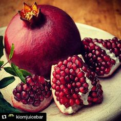 Cue the pomegranate! November is National Pomegranate Month. How do you enjoy its gem - like seeds? We love them sprinkled on salad or breakfast yogurt. TIP: Fall/early winter is a great time to plant. Enjoys its fruit the following year. #Repost @kiomjuicebar