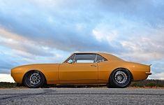 Hot Wheels - SWIPE ⬅️ if you're a fan of Pro Street American muscle, so tough! 1967 Camaro, Camaro Car, Chevrolet Camaro, Chevy Muscle Cars, All Cars, Drag Racing, Custom Cars, Hot Wheels, Touring