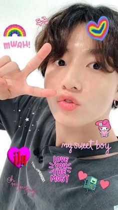 Kookie Bts, Jungkook Cute, Foto Jungkook, Wallpaper Iphone Cute, Bts Wallpaper, Cute Wallpapers, Bts Bg, Pop Stickers, Bts Meme Faces