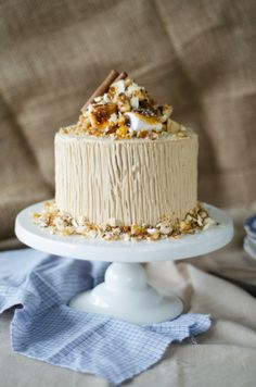 Sweet Potato Cake with Brown Sugar Whipped Cream Cheese Frosting and Toasted Marshmallows Filling   Louise´s Spis