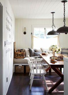 mesa-comedor-madera-zona-desayunos-forrada-listones-blancos.jpg (600×834)