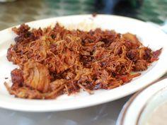 Esta rica receta de chilorio es ideal para comerla en tacos con tortillas de harina, arroz, frijoles y guacamole. Es típica de la región de Sinaloa.