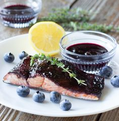 Blueberry Balsamic Glazed Salmon (this is amazing! used blueberries from my dads farm! served with lemon basil pasta and sautéed kale!)