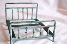 Etsy.com, Vintage style Victorian miniature metal doll bed 1/12 dollhouse scale