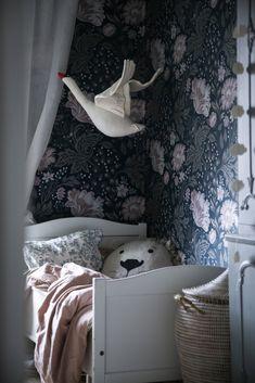 Lino the Lion cushion by Mini loves Universe. Picture by Anna Kubel. Lino the Lion cushion by Mini loves Universe. Picture by Anna Kubel. Baby Bedroom, Girls Bedroom, Bedroom Decor, Bedroom Ideas, Bedroom Lighting, Bedroom Wall, Ideas Habitaciones, Deco Kids, Modern Kids