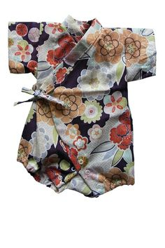 Got tons of these in Japan for Ayami, they are the best for newborns! Baby Kimono, Baby Dress, Baby Girl Fashion, Kids Fashion, Diy Bebe, Little Fashionista, Baby Costumes, Baby Boutique, Doll Clothes Patterns