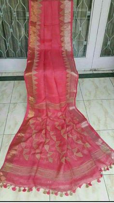 Silk Saree Kanchipuram, Handloom Saree, Kota Silk Saree, Cotton Saree, Saree Wedding, Wedding Wear, Women Tunic, Saree Blouse Neck Designs, Simple Sarees