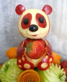 25 Beautiful Fruit Carving works and Fruit Art Ideas for your inspiration Panda Apple L'art Du Fruit, Deco Fruit, Fruit Art, Fun Fruit, Fruit Food, Fruit Sculptures, Food Sculpture, Veggie Art, Fruit And Vegetable Carving