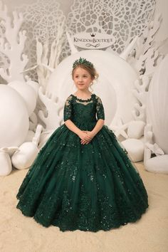 Items similar to Emerald green Flower Girl Dress Birthday Wedding Party Holiday Bridesmaid Flower Girl Emerald Tulle Lace Dress on Etsy Gowns For Girls, Frocks For Girls, Wedding Dresses For Girls, Dresses Kids Girl, Girls Pageant Dresses, Bridesmaid Dresses, Prom Dresses, Kids Dress Wear, Party Wear Dresses