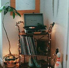 Bedroom Vintage Hipster Record Player 53 Ideas - Hipster Home Decor Bedroom Vintage, Vintage Room, Vintage Decor, Dream Rooms, Dream Bedroom, My New Room, My Room, Room Goals, Boho Living Room
