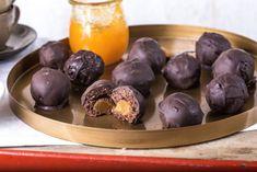 Zserbógolyó - itt a tökéletes recept   Street Kitchen Truffles, Candy, Cookies, Baking, Fruit, Eat, Kitchen, Street, Food