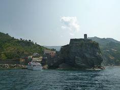 Nave, Vernazza→Riomaggiore, Liguria Italia (Luglio)