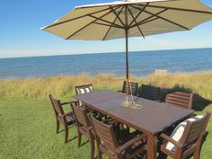 f you're looking for the ultimate beachfront experience, consider Summerwinds, this one-of-a-kind upscale bungalow on the Bay in Brewster.  From the renowned artists' work adorning the walls to the luxurious bed linens and terry robes provided, you'll feel pampered, refreshed, rejuvenated -- a true vacation from the ordinary. Pretty Picky Properties: 012-B in Brewster.