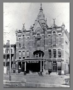 Grand Opera House, (1882-1908, burned 1912). East Peoria, Peoria Illinois, Old Movies, Movie Theater, Old Pictures, Opera House, The Past, America, Theatres