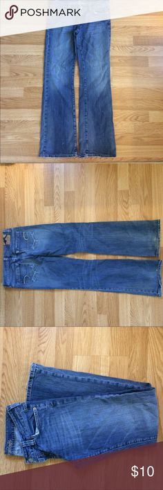 American Eagle Jeans size 6 boyfriend 77 style. American Eagle jeans size 6 reg boyfriend 77 style. American Eagle Outfitters Jeans