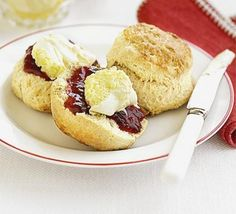 Classic scones with jam & clotted cream recipe - Recipes - BBC Good Food. A delicious recipe. Specialty grocery stores will carry clotted cream (imported from England). Clotted Cream, Bbc Good Food Recipes, Cooking Recipes, Cooking Videos, Recipes Dinner, Healthy Recipes, Cream Tea, Scones And Cream, Calories