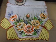 Cloche, Boho Shorts, Napkins, Mary, Facebook, Crochet Table Runner, Crochet Lace Edging, Painted Baskets, Art Pictures