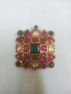 Gold Jewelry Buyers Near Me Real Gold Jewelry, Agate Jewelry, Ear Jewelry, Antique Jewellery Designs, Gold Jewellery Design, Antique Jewelry, Mughal Jewelry, India Jewelry, Temple Jewellery