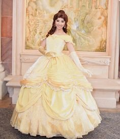 Princess Photo, Princess Belle, Little Princess, Belle Cosplay, Disney Cosplay, Belle Hairstyle, Sweet 15 Dresses, Belle Beauty And The Beast, Disney Face Characters