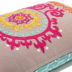 Coussin brodé en coton multicolore 30 x 50 cm ETYA | Maisons du Monde