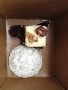 Cheesecake bite (flourless) & Russian Tea Cake - at Dahlia Bakery