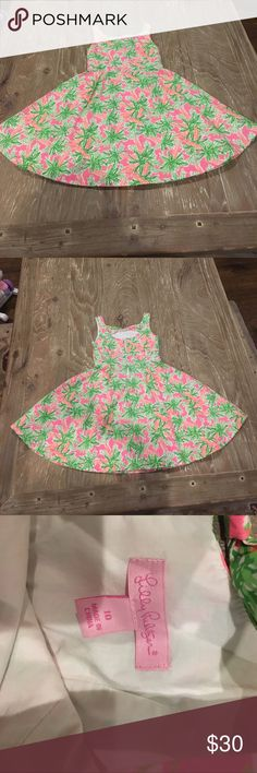 Gorgeous Lilly dress Gently used Lilly dress perfect perfect condition the print is super cute. Lilly Pulitzer Dresses Casual