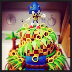 Sonic Cake. Noah would LOVE this!