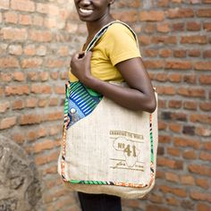 Your No.41 Signature Bag is handmade with love by young women in Gisenyi, Rwanda. Your purchase not only provides a stable job and sustainable income, you are also providing lunch for local secondary school students. FOR ONE child, FOR ONE meal, FOR ONE year.  -100% natural burlap and African i...