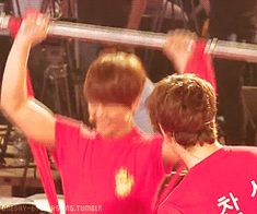 Omfg! Junho 2pm breaking 20 chopsticks with his buns of steel! (gif)