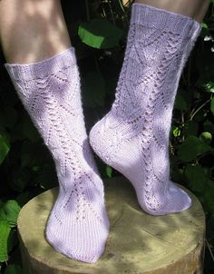 Start date: September 1 2015  Completion date: September 5 2015  Pattern: HiyaHiya Blossom Socks (Cuff Down)  Yarn: Troitsk Yarn Waterfall (Водопад)  Needles:2,5мм  --- fed1r (Ravelry Name) said.