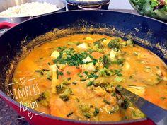 cozido com grão de bico e legumes j´pg Vegan Vegetarian, Vegetarian Recipes, Vegan Store, I Love Food, Thai Red Curry, Food And Drink, Ethnic Recipes, Carne, Chickpea Soup