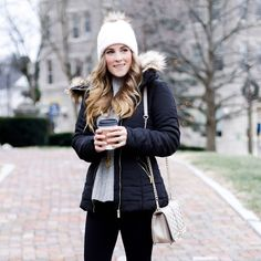 The most affordable puffer jacket casual Chic Outfits, Trendy Outfits, Fashion Outfits, Womens Fashion, Fashion Clothes, Winter Sweater Dresses, Winter Outfits, Winter Funny, Sweaters And Leggings