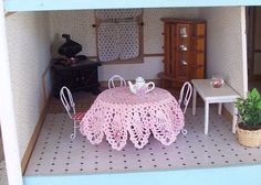 One of a Kind Crochet dollhouse Tablecloth Pineapple & Roses Pink Round
