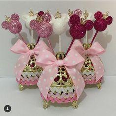 festainfantil aniversarioinfantil lembrancinha on Instagram Mickey Y Minnie, Minnie Mouse Pink, Minnie Mouse Party, Mouse Parties, Mickey Birthday, 2nd Birthday, Birthday Ideas, Birthday Celebration, Birthday Parties