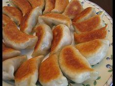Замечательные китайские жареные пельмени. Попробуйте приготовить! Подробный рецепт здесь - http://kyxarka.ru/news/1379.html