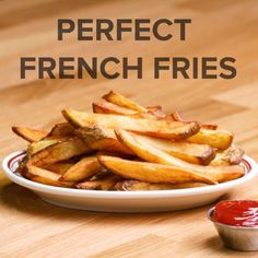 Perfect French Fries // #fries #frenchfries Pinterest | https://pinterest.com/elcocinillas/  Pinterest | https://pinterest.com/elcocinillas/