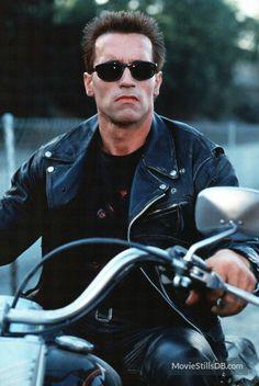 T - 1000 (Terminator 2: Judgment Day)   Movie Villains ...