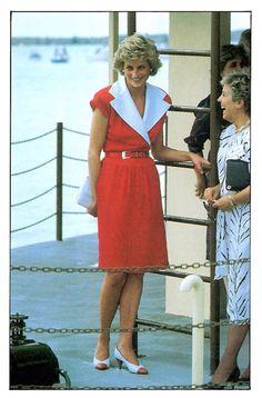 Real Princess, Princess Of Wales, Diana Williams, Princess Diana Fashion, Princes Diana, Lady Diana Spencer, Big Fashion, Most Beautiful Women, Well Dressed