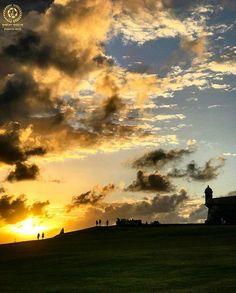 . ✦ G R E A T O F T H E D A Y ✦ . - - - --- ✦ --- - - - . ✦ F E L I C I D A D E S ✦ . . F O T O • @amazing787  U B I C A C I Ó N • #ViejoSanJuan #PuertoRico S E L E C C I O N A D A P O R • @yes_is_roxy . - - - --- ✦ --- - - - . Fantástica fotografía nos ofrece @amazing787 No olviden visitar su grandiosa galería ! . - - - --- ✦ --- - - - . GRACIAS POR SEGUIRNOS• 💫💫@puertorico_greatshots💫💫. T A G • #puertorico_greatshots . 4 de marzo de 2017 . - - - --- ✦ --- - - - . Te…