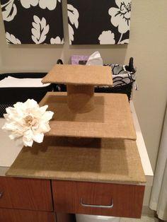 Burlap cupcake stand :)