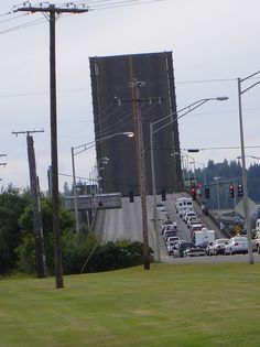 Aberdeen, WA : Chehalis River Bridge - Letting a timber barge pass