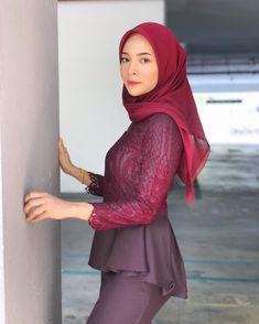 Hijabi Girl, Girl Hijab, Batik Kebaya, Hijab Fashionista, Beautiful Hijab, Photo And Video, Instagram