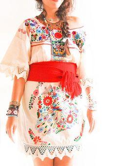 Vintage Romantic crochet lace Mexican dress door AidaCoronado, $198.00