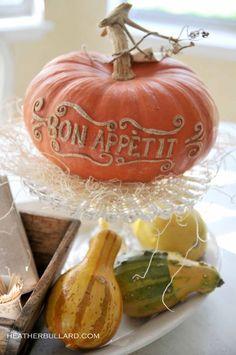 It's Written on the Wall: {Halloween & Thanksgiving} Writing messages on pumpkins-Scarring the pumpkin