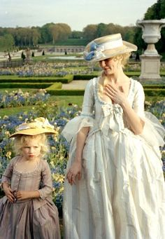 Kirsten as Marie Antoinette. There really wasn't a bad costume in the movie.