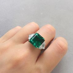 A 5.87ct Colombian emerald ring for all the #May babies out there #birthstone Lot 1942 to be offered at Christie's Hong Kong Magnificent…