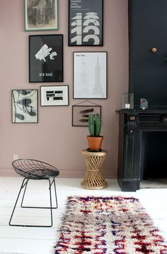 Taupe Walls, Pink Walls, Living Room Themes, Interior Design Living Room, Living Room Inspiration, Home Decor Inspiration, Design Inspiration, Workplace, Paint