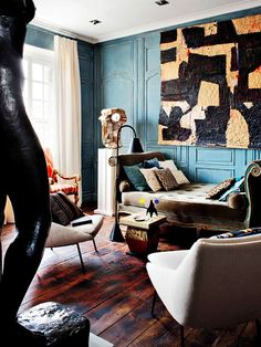 Vintage style living room with teal walls Home Interior, Interior And Exterior, Interior Decorating, Modern Interior, Decorating Ideas, Living Room Designs, Living Spaces, Teal Walls, Eclectic Decor