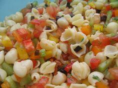 Salade de pâtes qui fait venir le soleil Olives, Pasta Salad, Ethnic Recipes, Kitchens, Tomatoes, Salads To Go, Sun, Food, Crab Pasta Salad