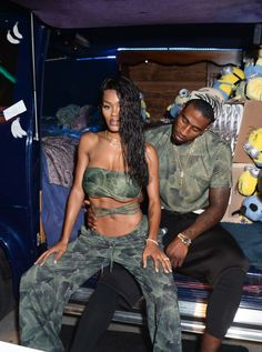 Teyana Taylor and Iman Shumpert both in Baja East x Minions. Black Couples Goals, Couples In Love, Couple Goals, Couple Noir, Iman Shumpert, Marriage Couple, Bae Goals, Teyana Taylor, Young Love